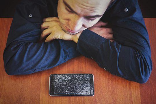 Verzekeraars strenger bij schade aan smartphone, tablet en laptop